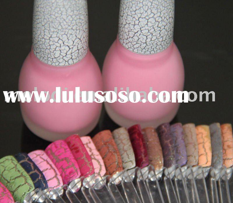 Crackle nail polish in pink color