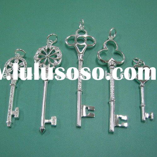 jewelry accessories, silver key charms  105