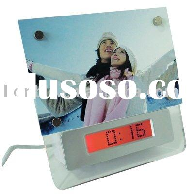 USB hub with clock and photo frame