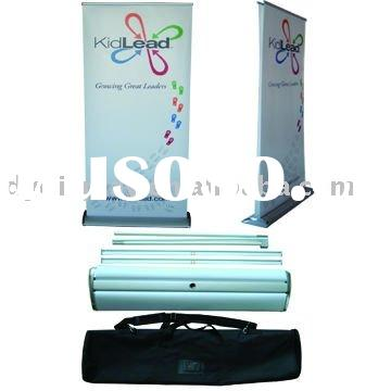 Double side retractable roll up stand