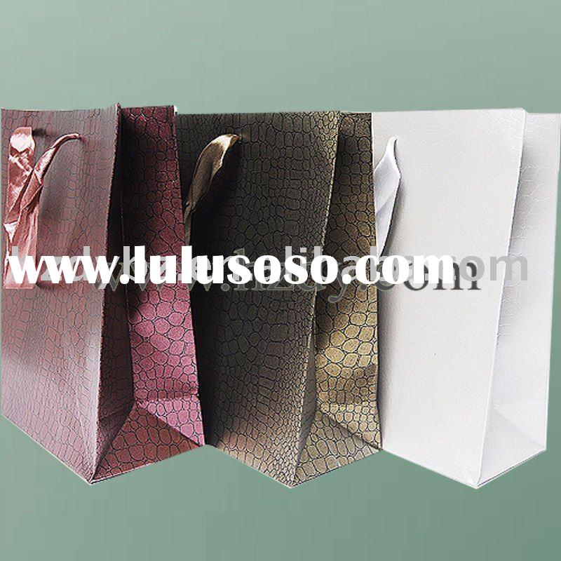 Customized logo paper gift bag with foil stamping