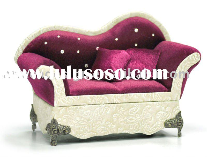 Hit SAN Victorian Sofa with floral fabric jewelry box for  : SANCVictorianVelvetSofaJewelry from sell.lulusoso.com size 800 x 605 jpeg 58kB