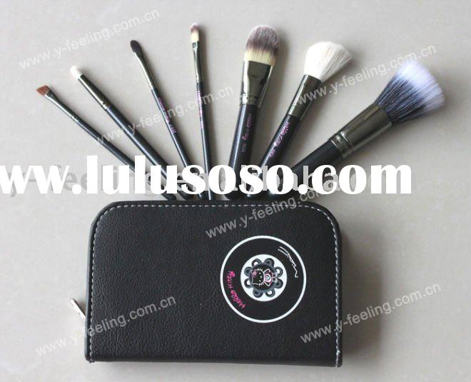 High Quantity MA&C Hello Kitty 7 Pcs Brushes Kit & Bag Makeup Brush
