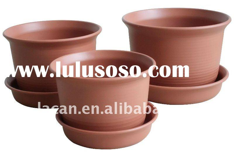 Clay textured classic pots with outer saucer