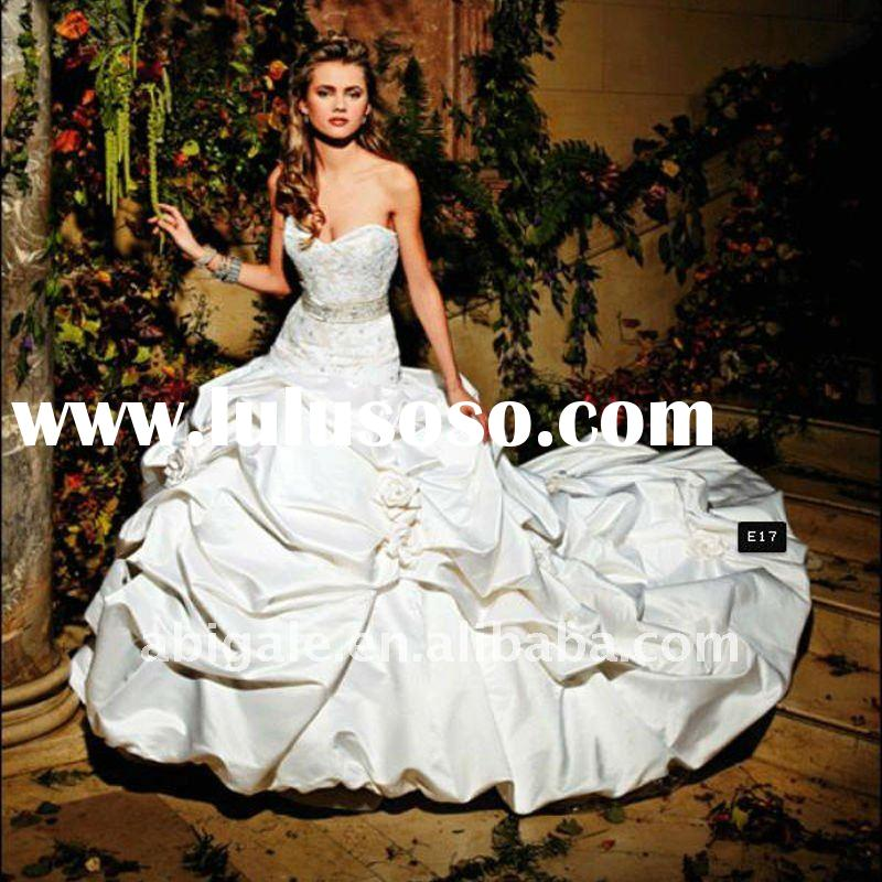 Strapless Sweetheart Ball gown Cathedral train Taffeta and satin Beach Bridal Dress(NS10565)