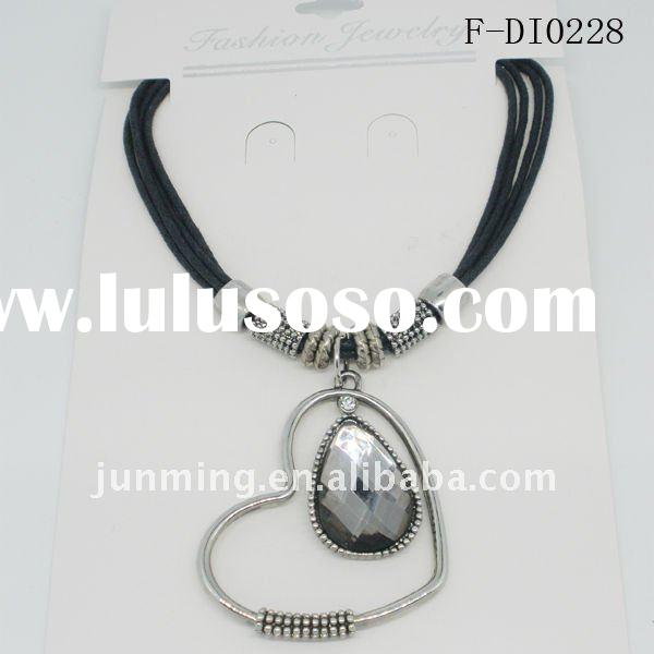 Fashion crystal heart pendant necklace