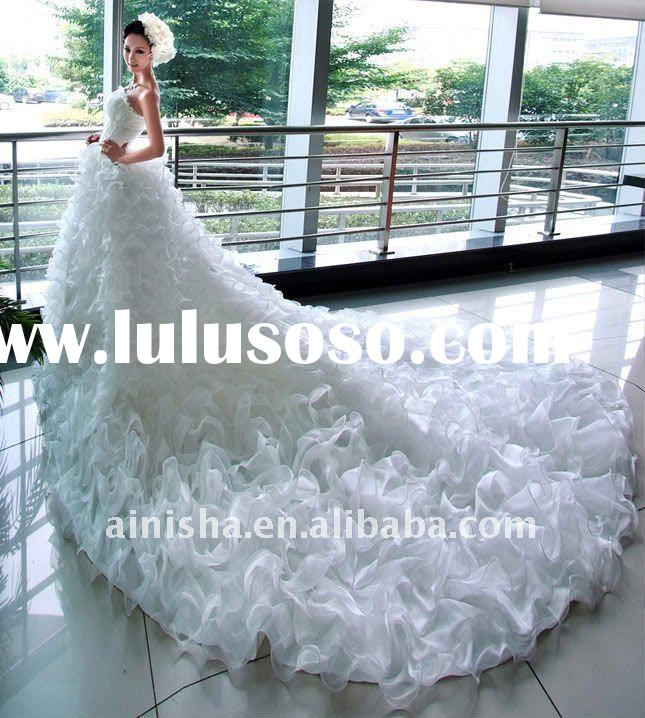 2011 newest fashion strapless beaded appliqued long tail wedding dress