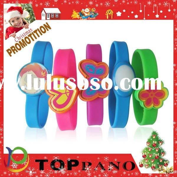 Glowing silicone wristband for Christmas Day