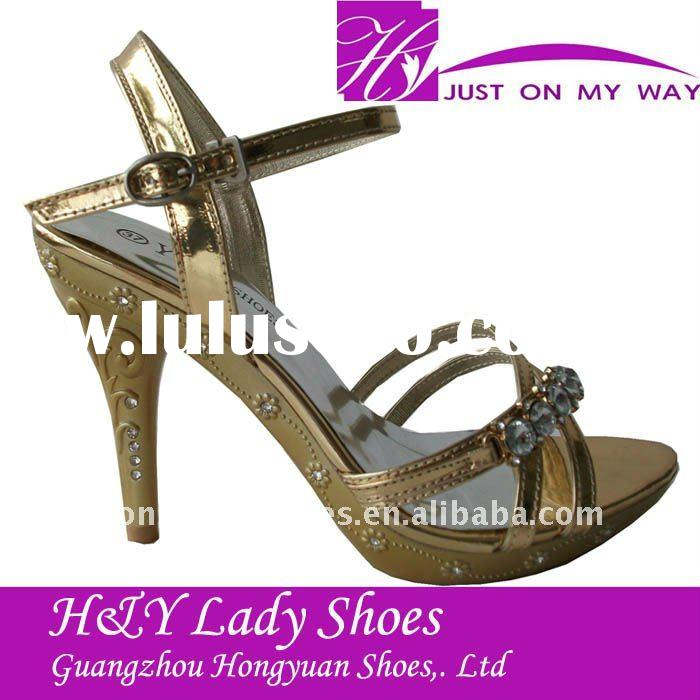 lady high heel diamond shoe