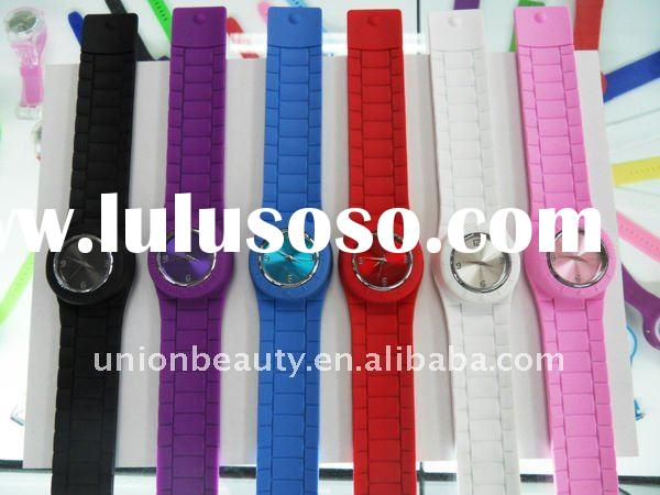 2011 Hot Sale Healthy Fashion Silicone Slap Watch with Different Color