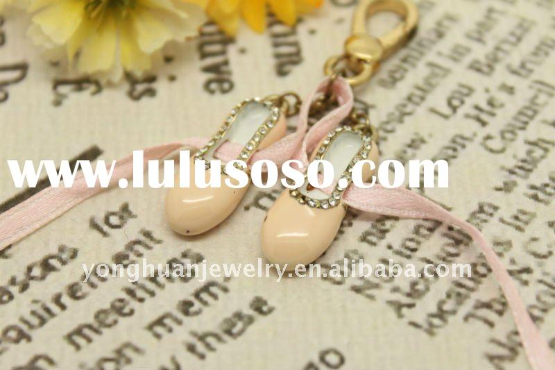 YBC002---little girl's pink shoes with rhinestone key ring