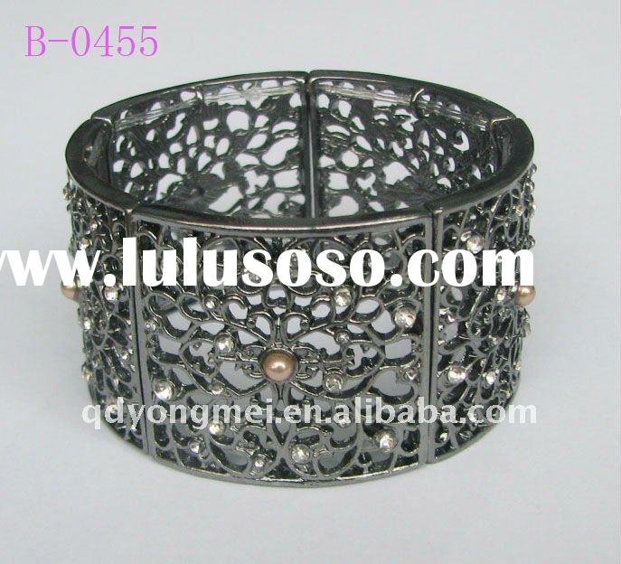 2012 fashion elastic stretch diamond pearl wide black bangles
