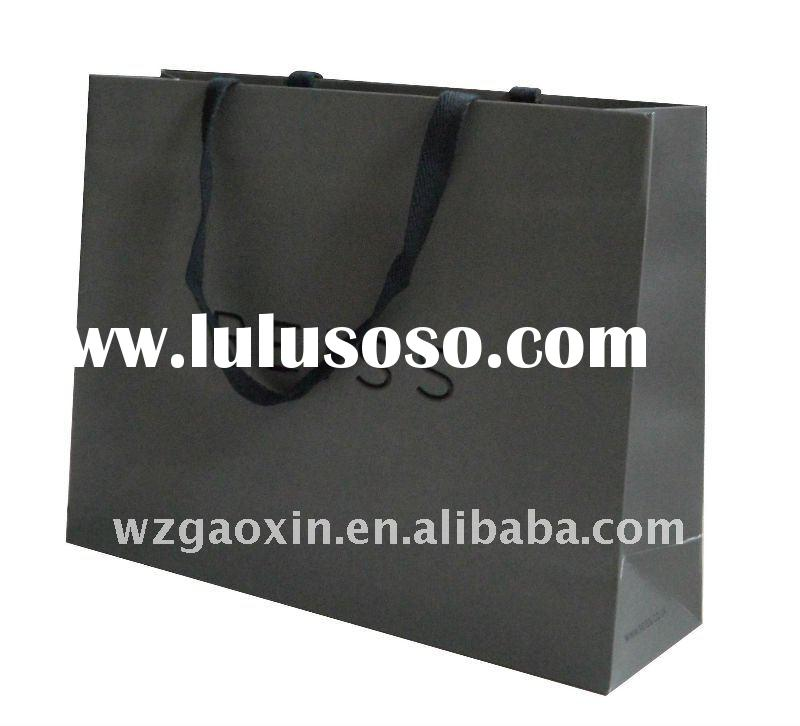 nice cosmetized luxuxy paper packing bag with logo hot foil