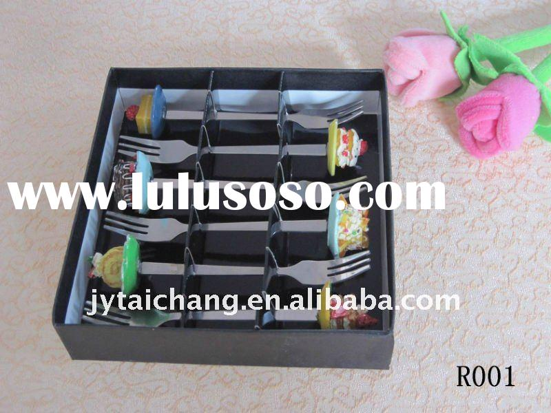 Gift box with 6 pcs stainless steel fork with resin handle