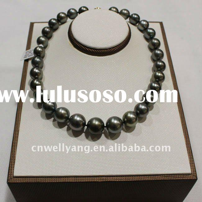 Black fashion pearl necklace