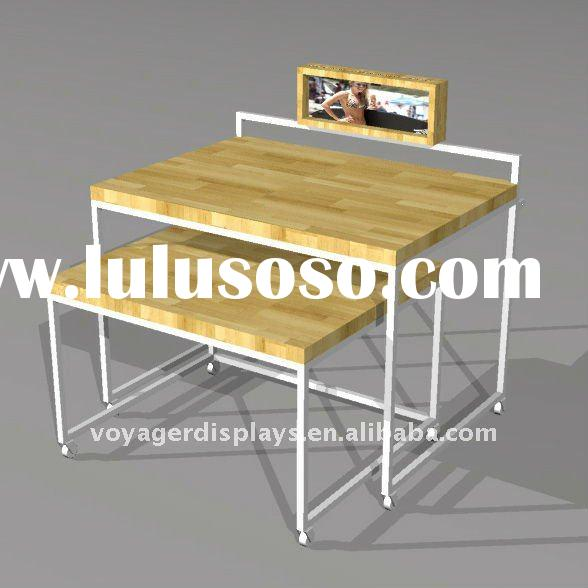 Display nesting table for clothes