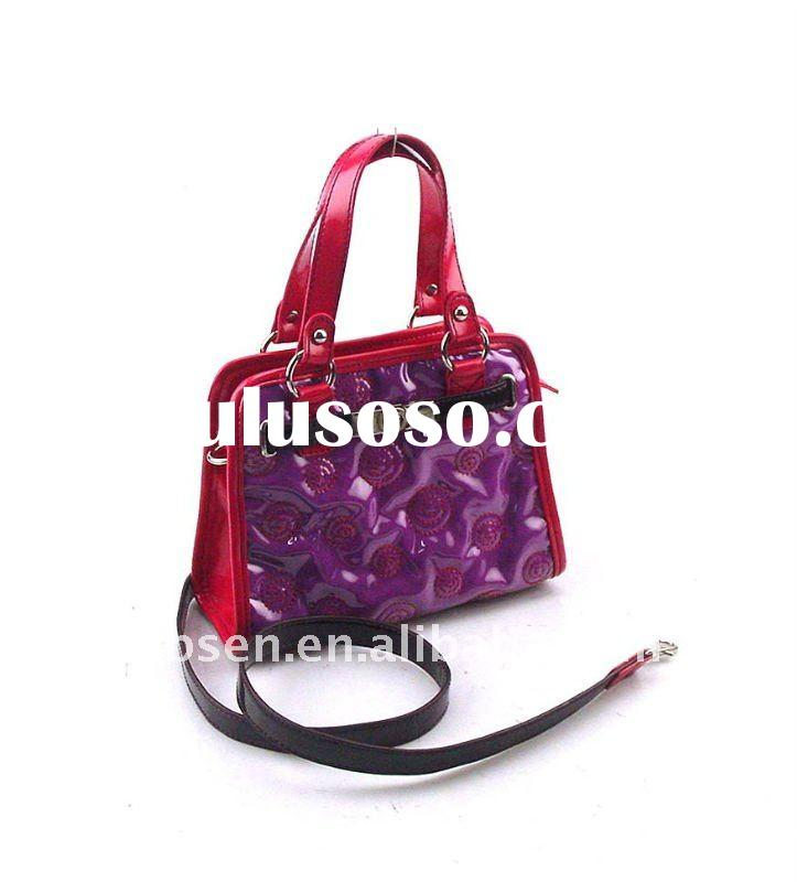 Cross-body Bag with Exciting Colors and Shining Material
