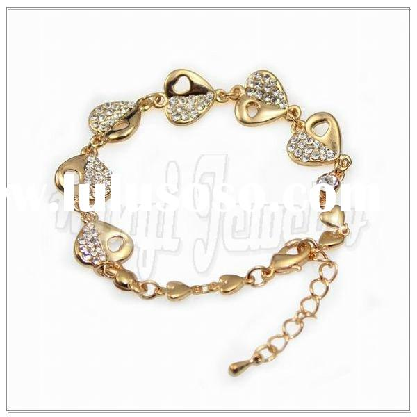 Fashion Bracelet With Heart Design