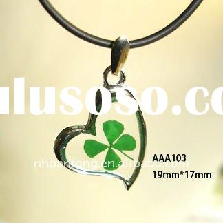 Fashion heart shape zinc alloy real four leaf clover amber stone jewelry raw amber jewelry pendant
