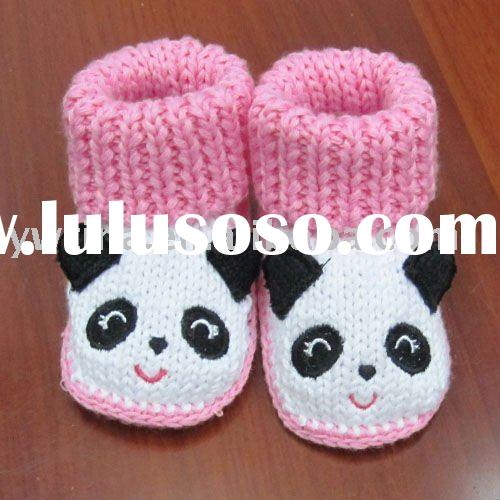 So lovely!Pink with panda Crochet Baby shoes/hand-made infant shoes