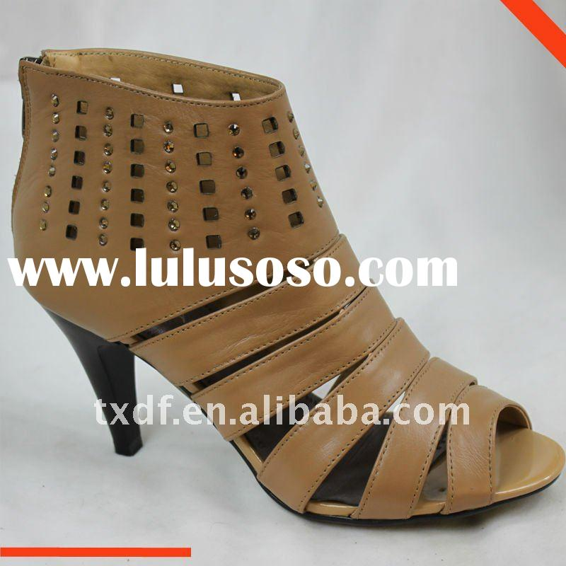 booties shoes for women, genuine leather,zip in the back, footwear, camel color.Spanish style