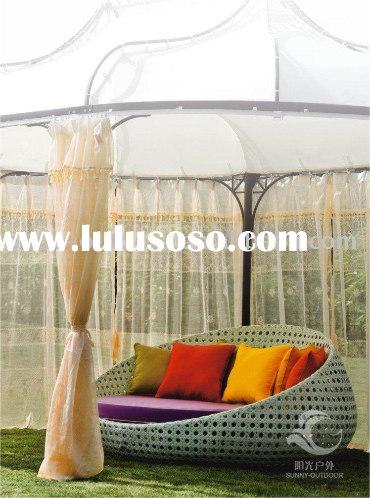rattan sofa bed/ rattan sun sofa bed / PE rattan sun bed