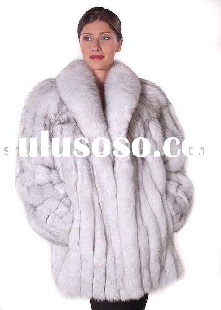 Fox fur coat J024