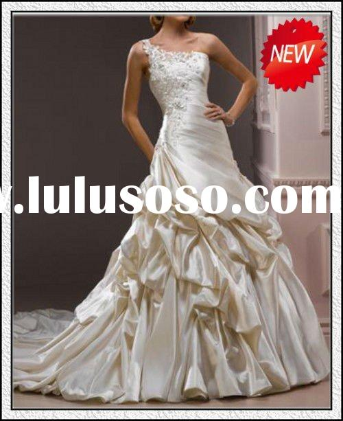 Long church train Romantic Appliqued Popular One-shoulder taffeta wedding gown