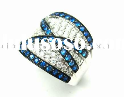 fashion jewelry of gold silver ring with diamond