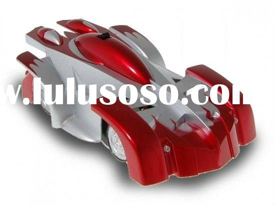 iOS-controlled KD02096 RC car defies gravity, paint job may drive you up the wall