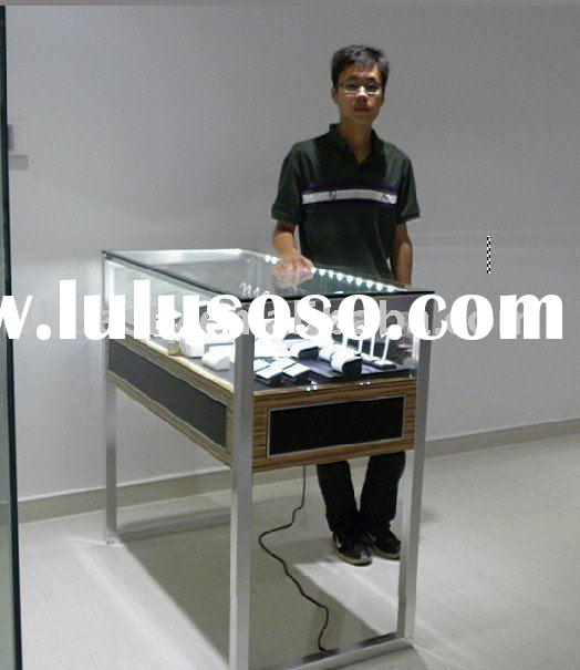 jewelry display case use LED light system