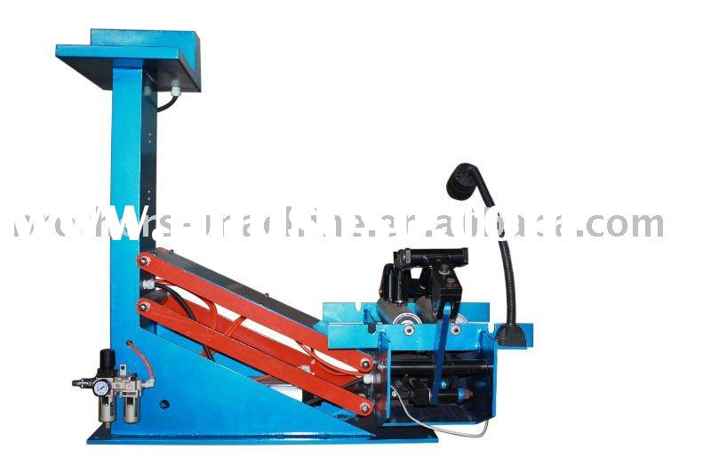 tire repairing machine