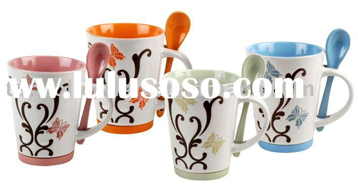 Ceramic coffee mug with spoon and silicon base