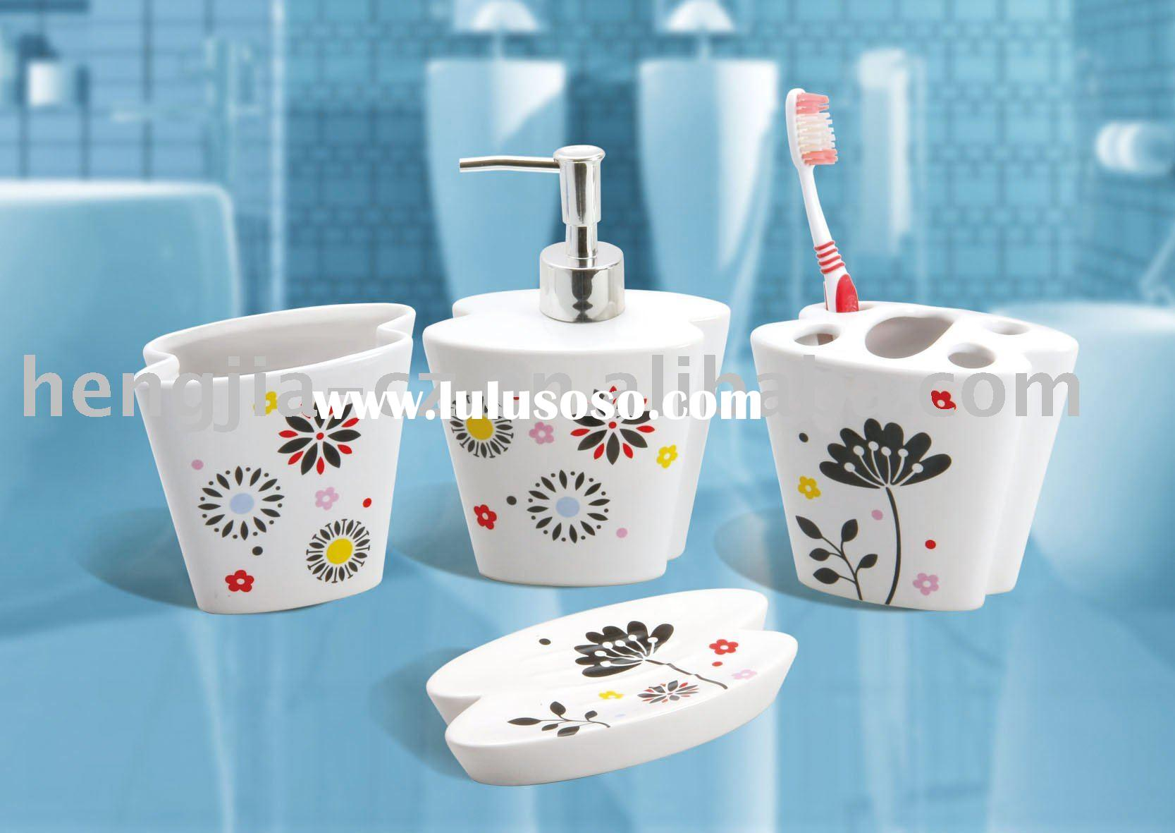 Elegant flower pattern ceramic bathroom accessory set