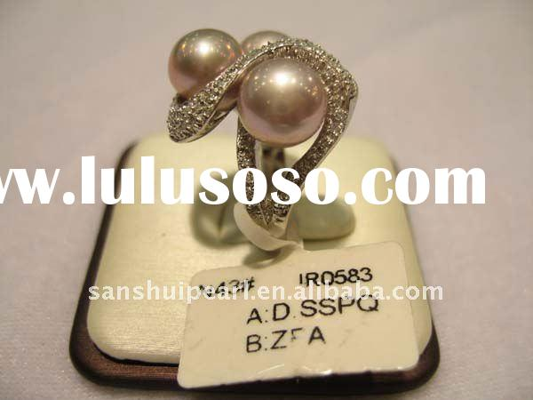 Three-pearl ring design with 925 sterling silver