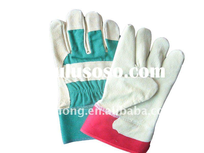 split pigskin leather work glove to protect hands in hard work