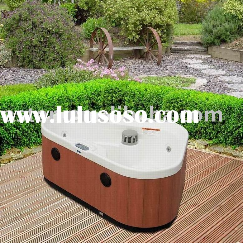 Mini outdoor triangle Spa Tub (hot swimming tool massage bath)
