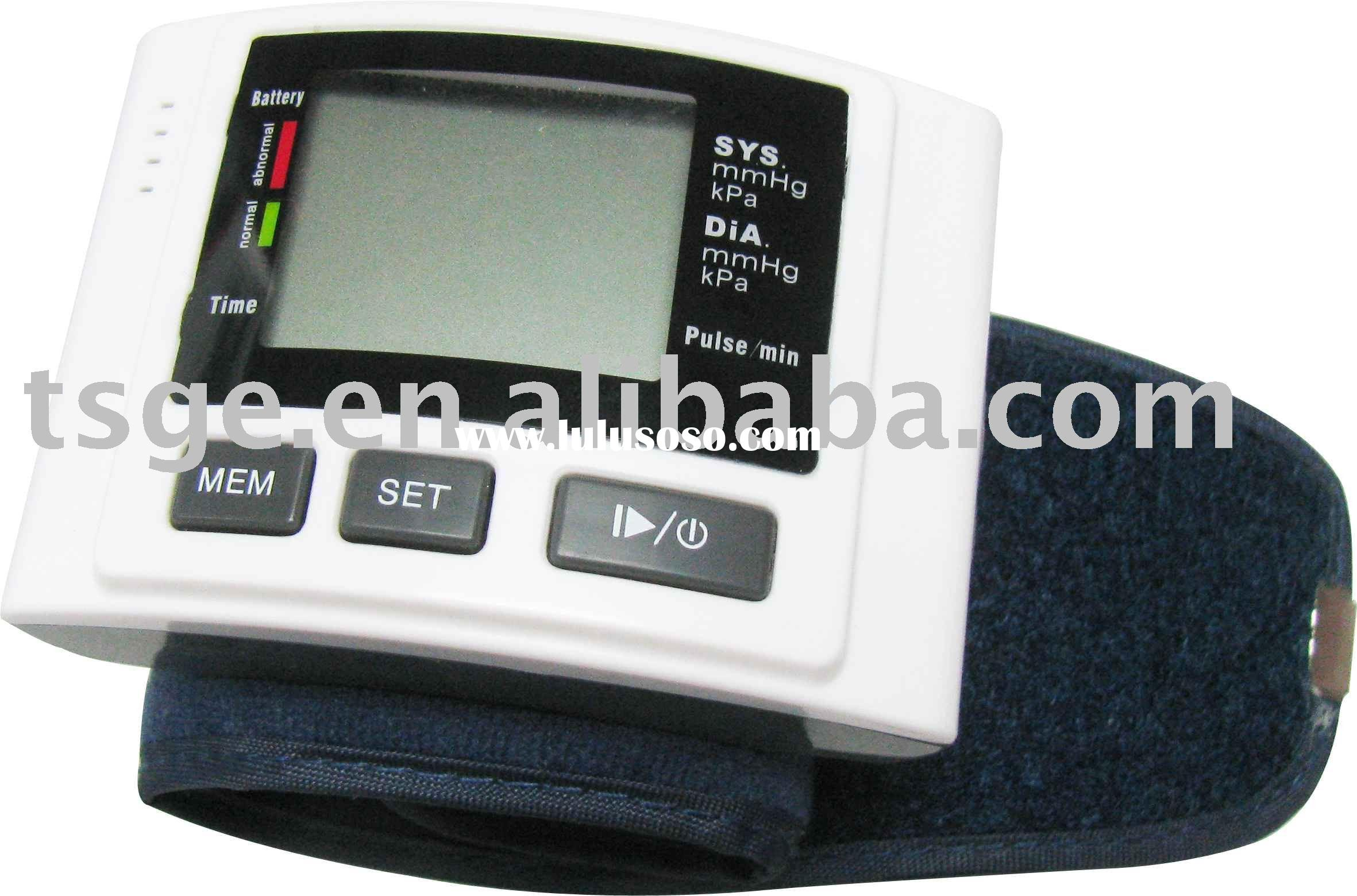 Wrist Blood Pressure Monitor TSGE-01