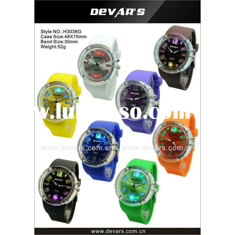 2012 hot sale round face kids watch with lighter and colorful band watches