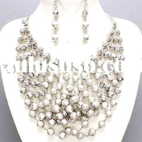 CHUNKY SILVER MWTAL BEAD NECKLACE SET COSTUME JEWELRY