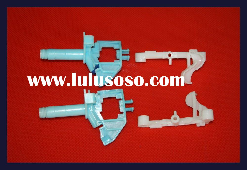 Injection molding plastic parts