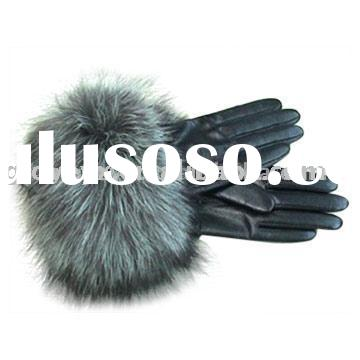 Lady leather gloves with fox fur