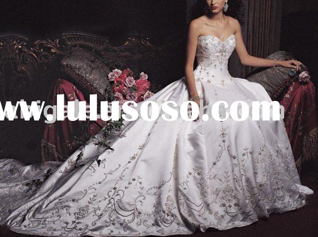 New Fashion Sweetheart Beaded Neckline Embroider entire Customer-Made Design Wedding Dress