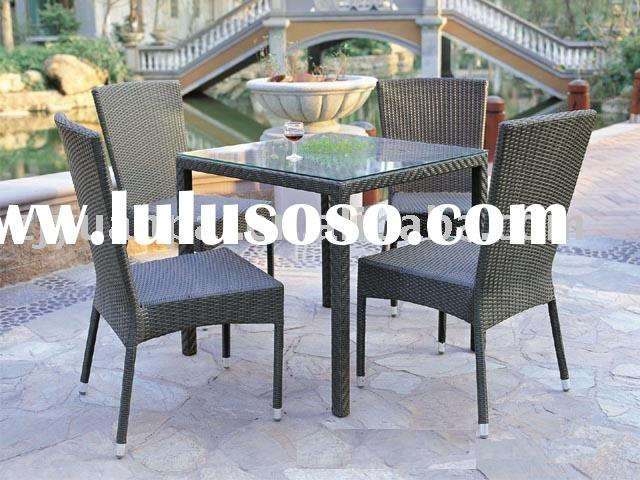 PE wicker diner table and chair