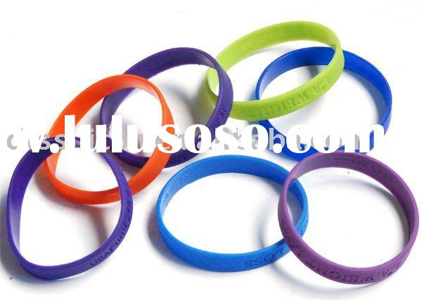 Plain solid rubber wristband