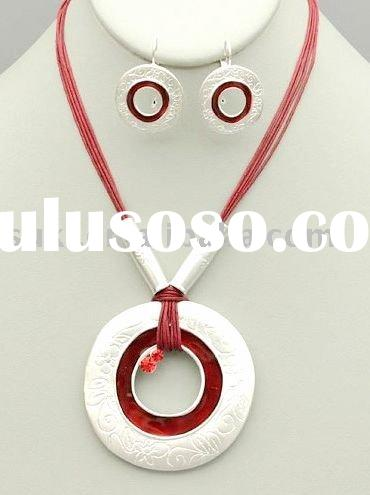 Jewelry Set,Silver.Red Tone Circle Pendant with Crystals
