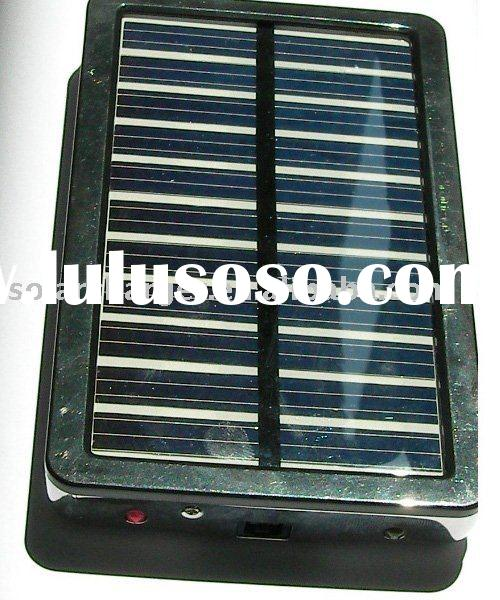 Portable Solar Charger with LED Light for Iphone/Ipod/Blackberry/Nokia/Motorola/Samsung/SonyEricsson