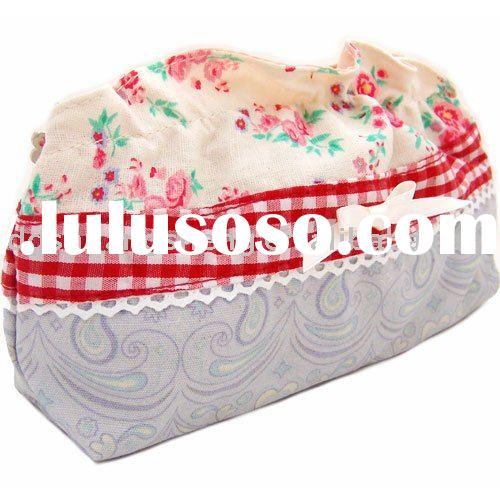 beautiful flower pattern cosmetic bag