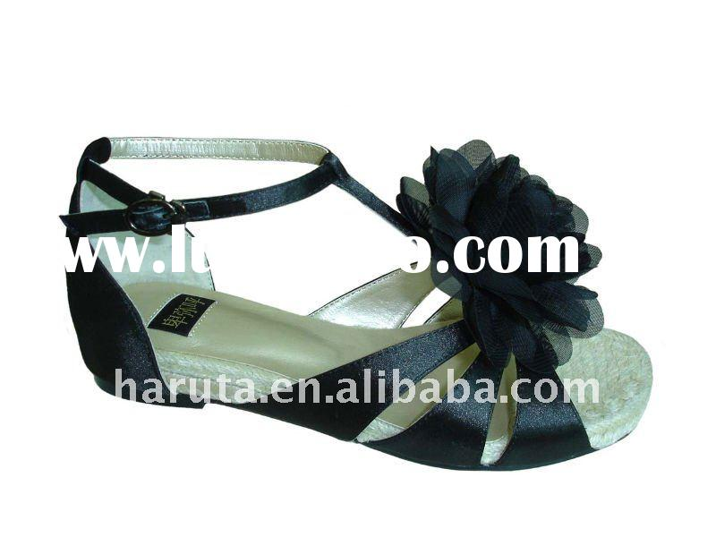 ladies leather flat shoes fashion sandals for women 2011