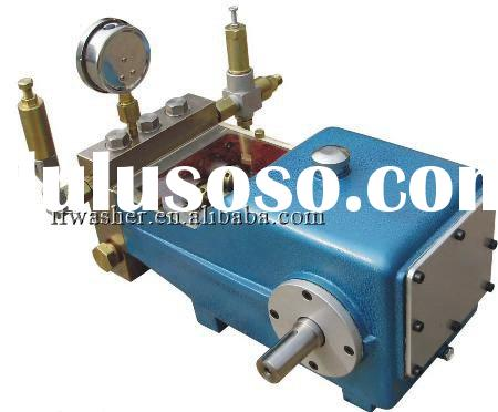 high pressure washer pump with three cylinders and plunger